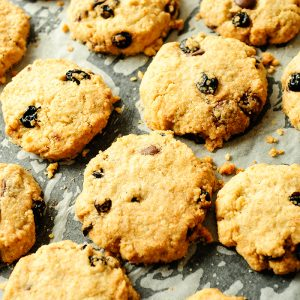 Oatmeal cookies with blueberries