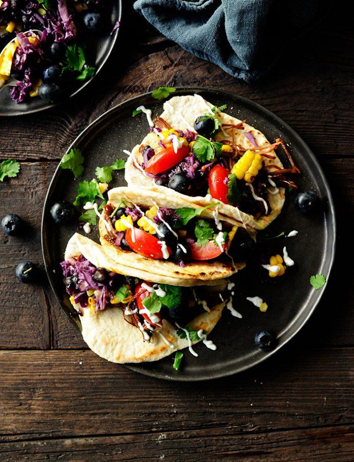 Taco met pulled beef en blauwbessen