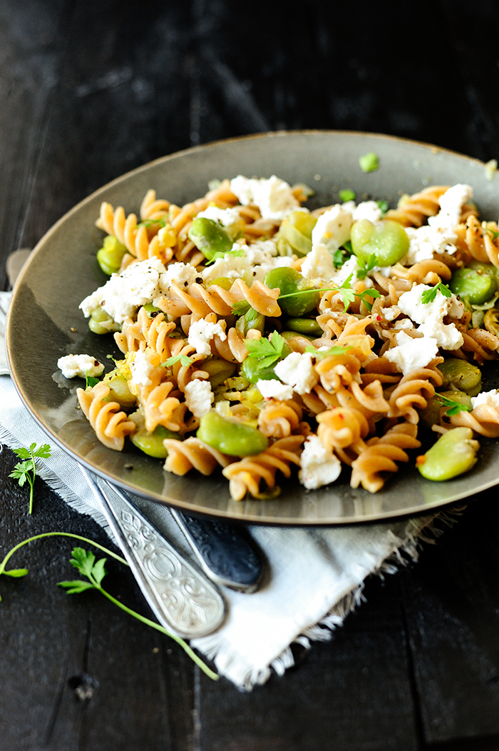 serving dumplings | Pasta with broad beans and goat's cheese