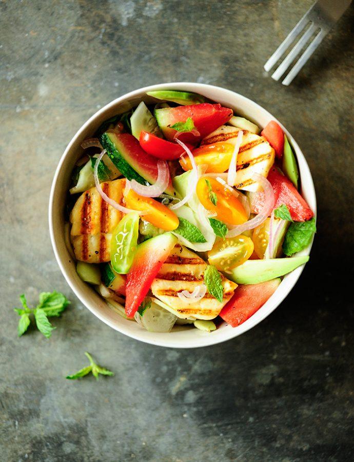 Salade van watermeloen met gegrilde halloumi