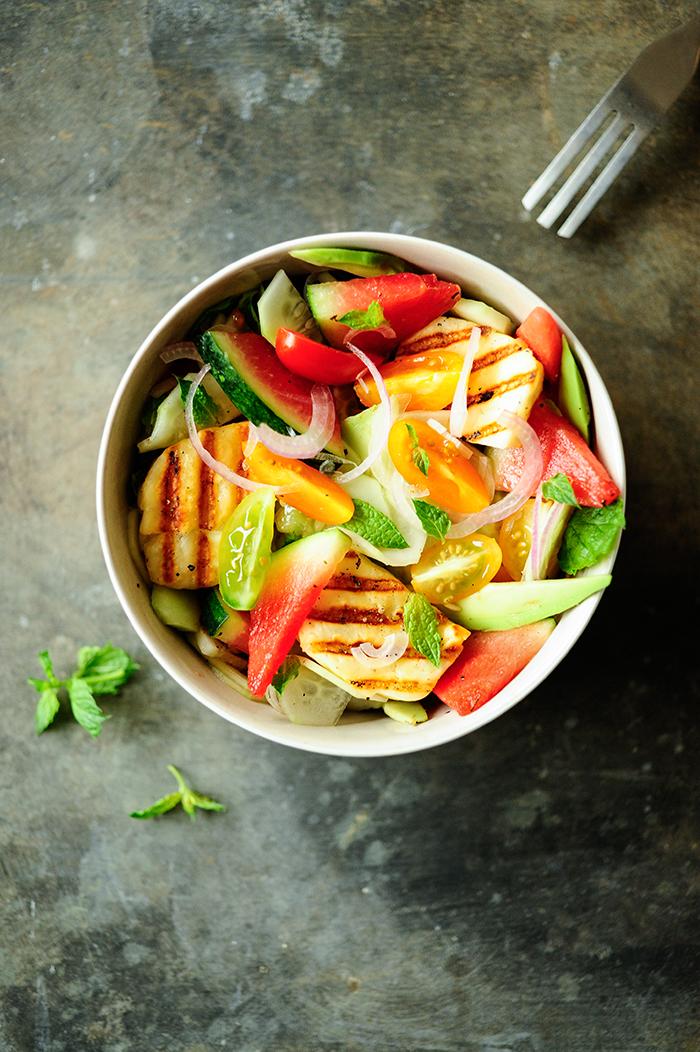 serving dumplings | Salade van watermeloen met gegrilde halloumi
