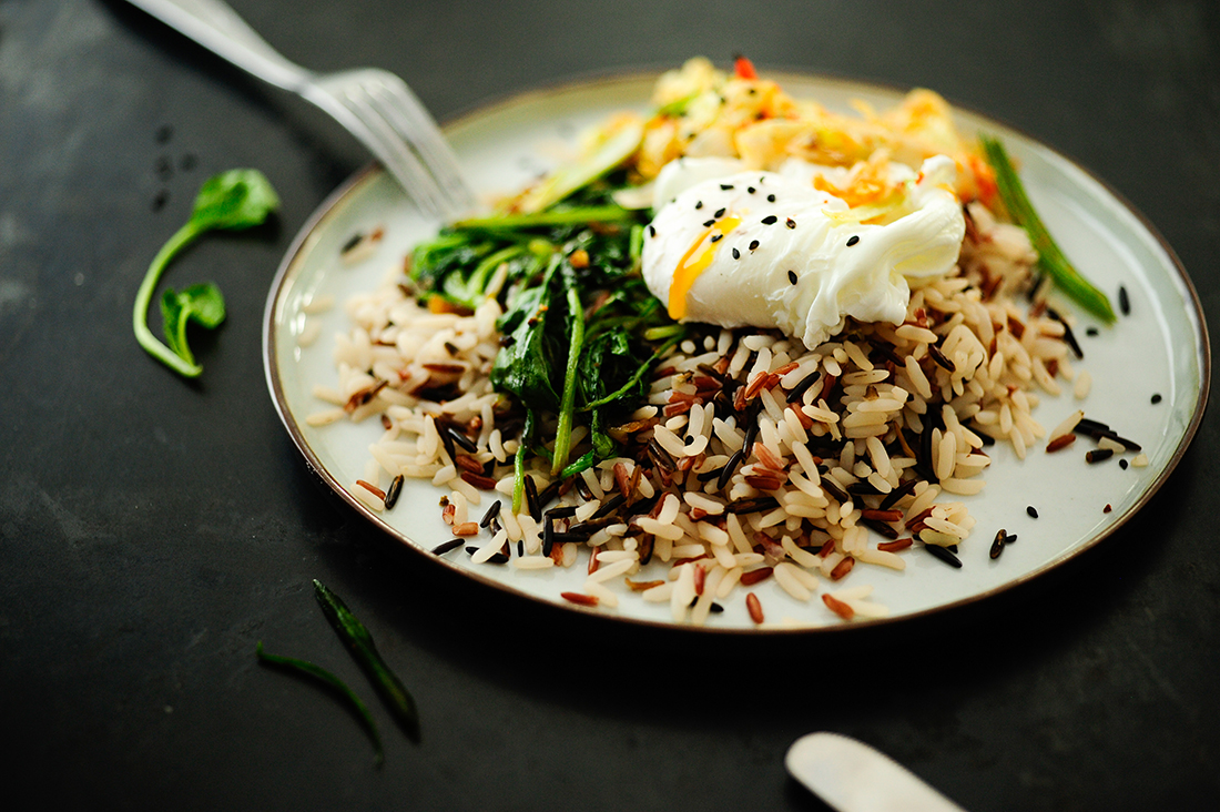serving dumplings | wild-rice-with-spinach-poached-egg-and-kimchi