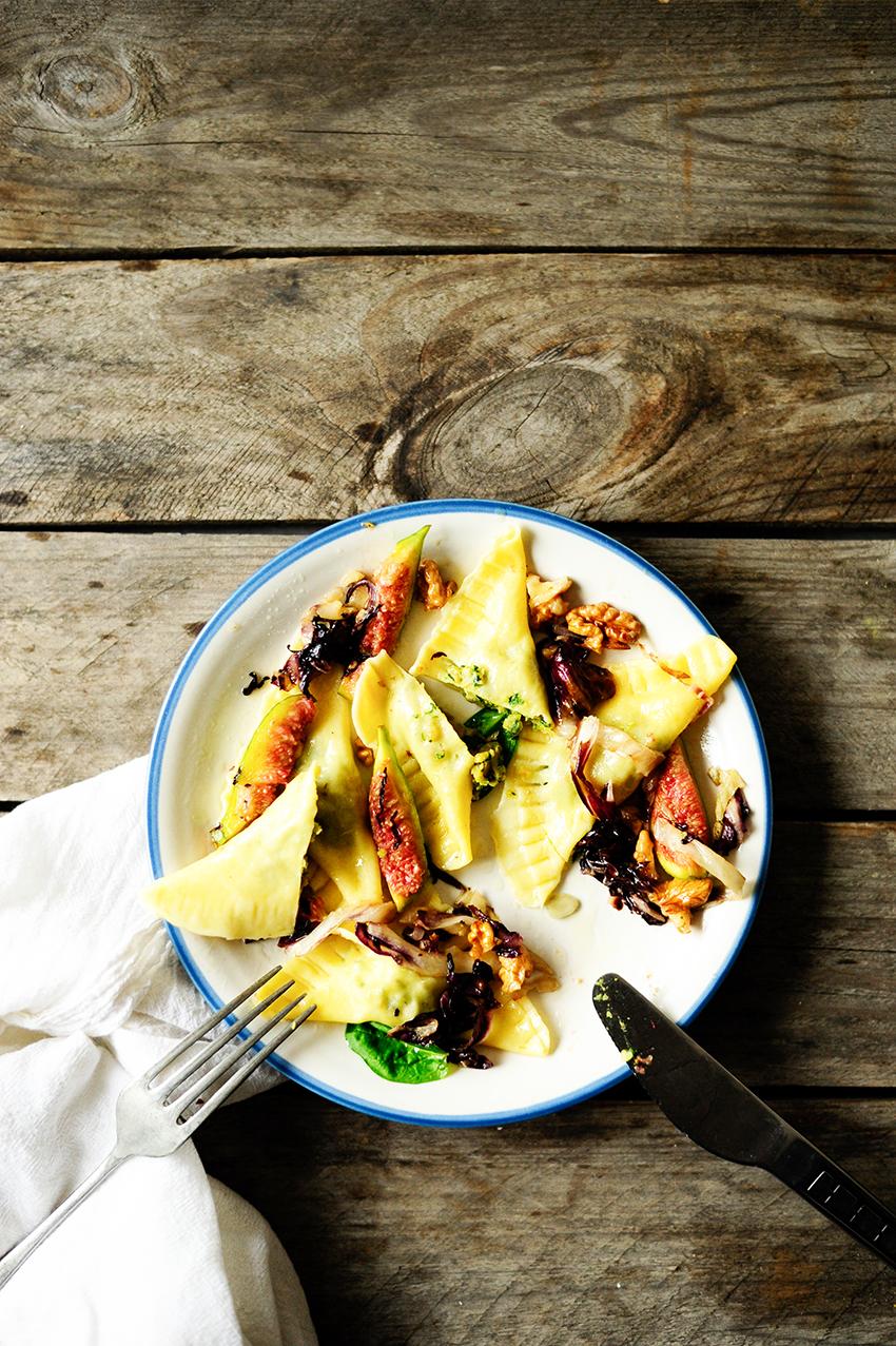 serving dumplings   ravioli-met-spinazie-en-kikkererwten