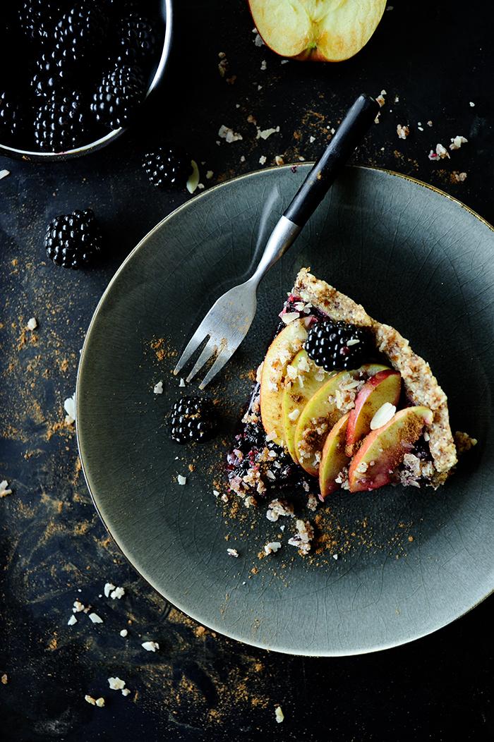serving dumplings | raw-apple-blackberry-pie