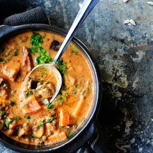 Zupa z soczewicy z dynią i bakłażanem
