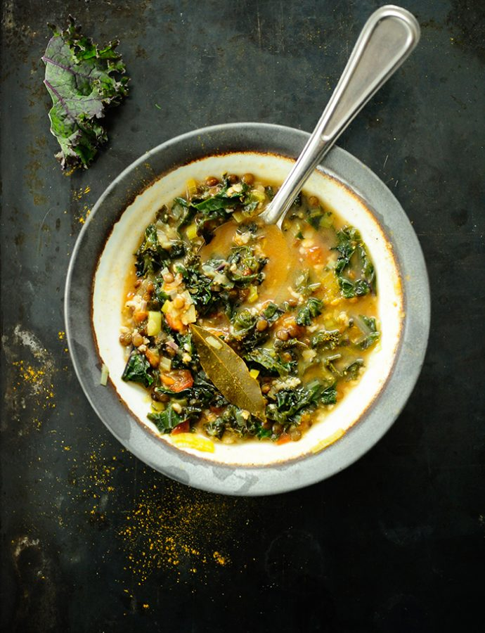 Kale, oats and lentil soup