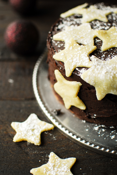 serving dumplings | gingerbread-cake-with-pudding-and-chocolate