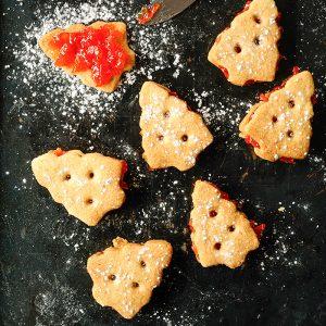 Walnut cookies with Campari orange filling