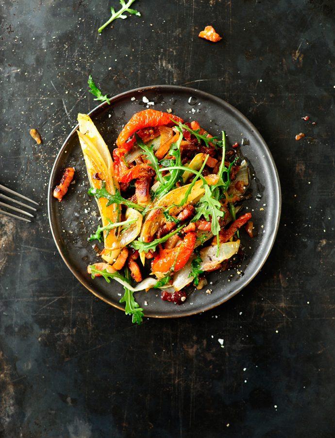 Lauwwarme witloofsalade met veenbessensaus