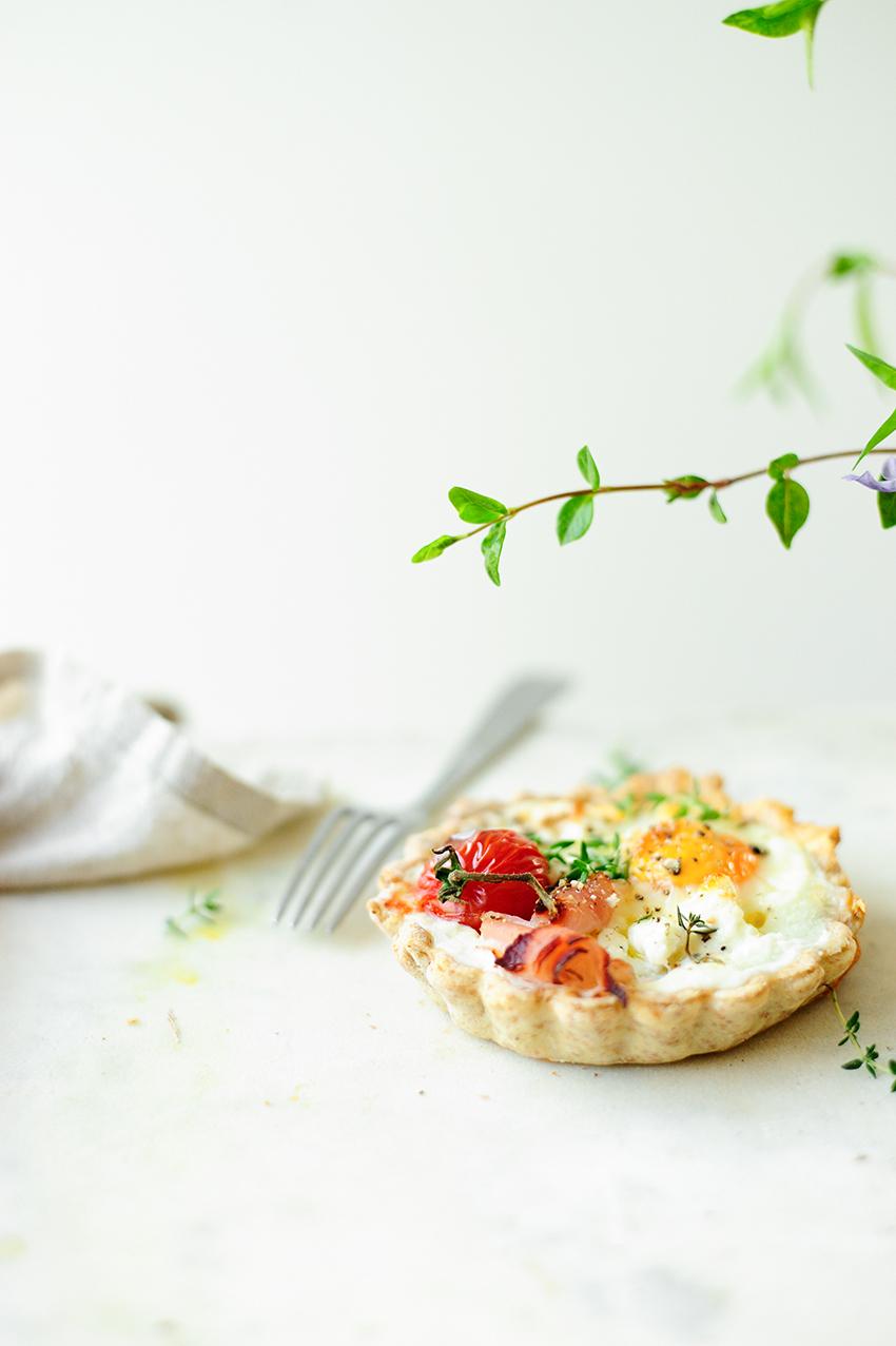 serving dumplings | Hartige kaastaartjes met eitjes
