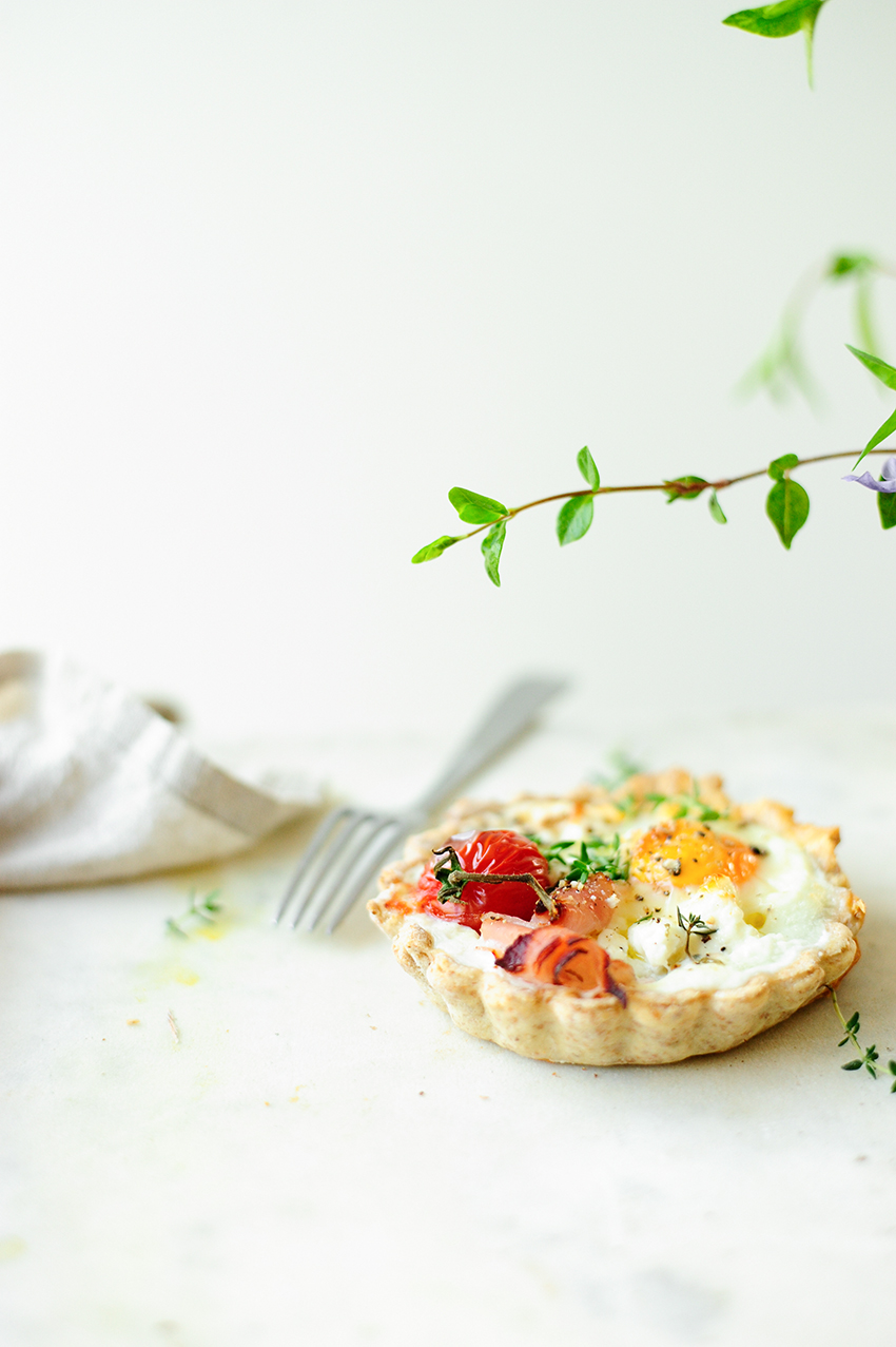 serving dumplings | Hearty tart with cheese and eggs
