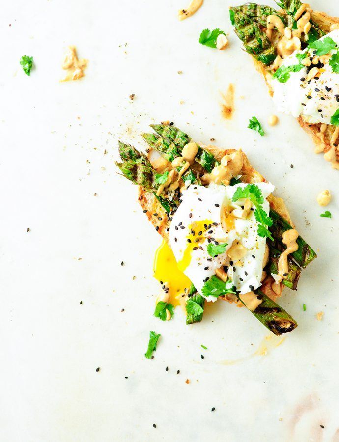 Asparagus crostini with eggs and peanut sauce