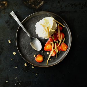 Vanilla ice cream with caramelized asparagus and strawberries