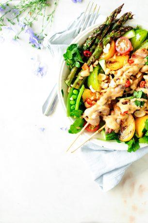 Sałata z nektarynkami i kurczakiem