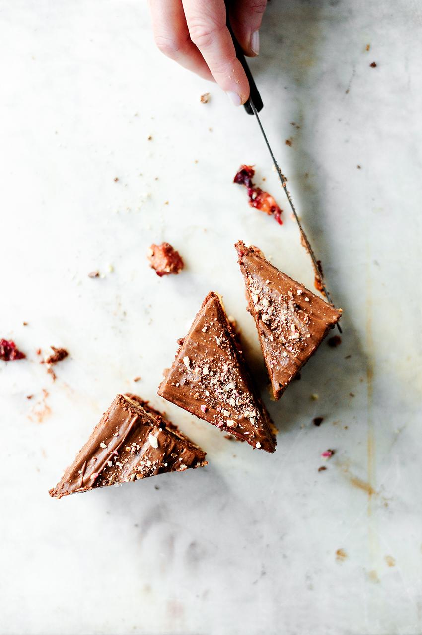 Chocoladecake met geroosterde pruimen1