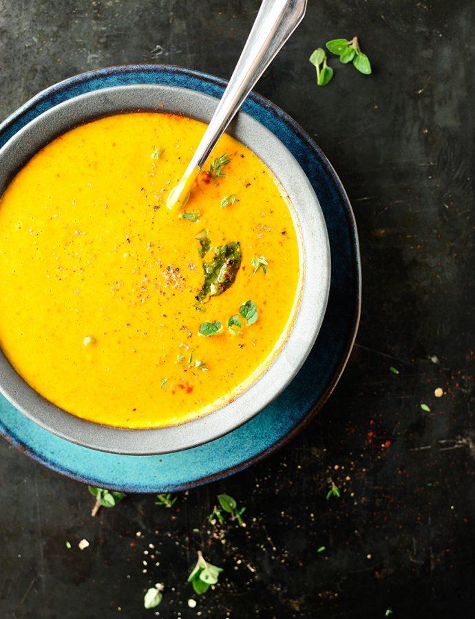 Italiaanse soep met geroosterde pompoen