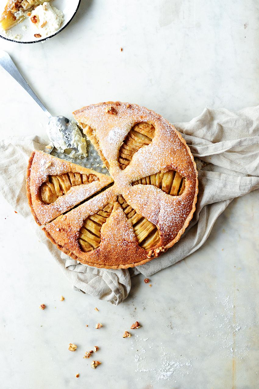 studio kuchnia | Ciasto migdałowe z gruszkami duszonymi z amaretto & imbirem