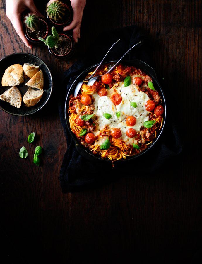 Ovenschotel met pasta en geroosterde groentjes