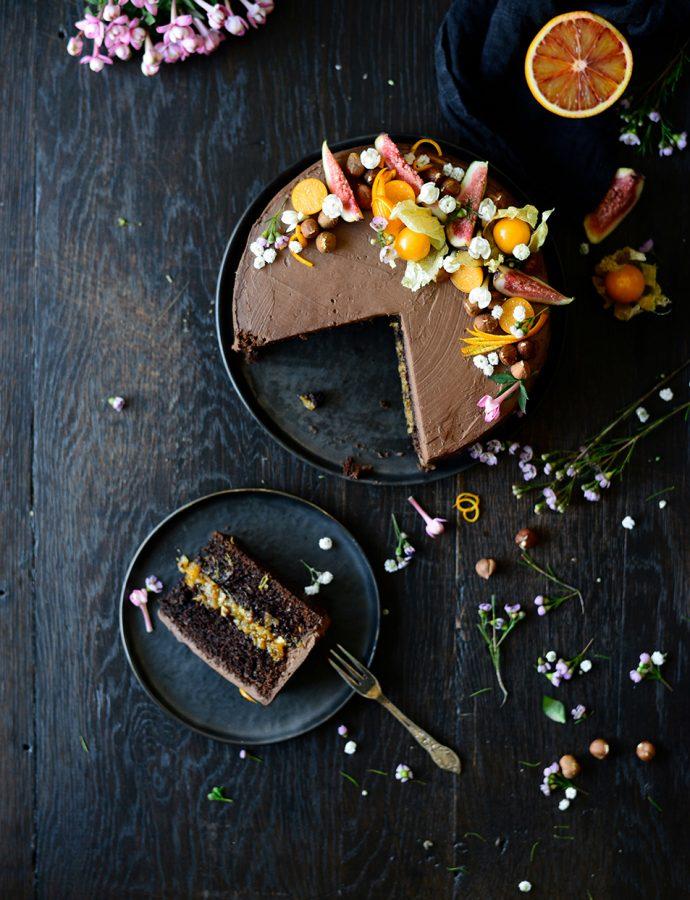 Chocoladecake met sinaasappel en vijgen