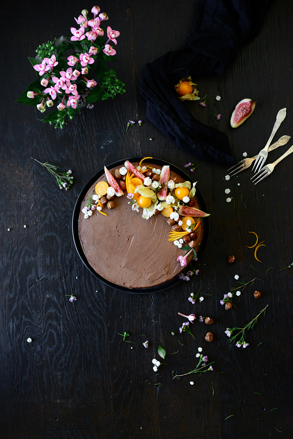 serving dumplings | Orange and fig chocolate cake