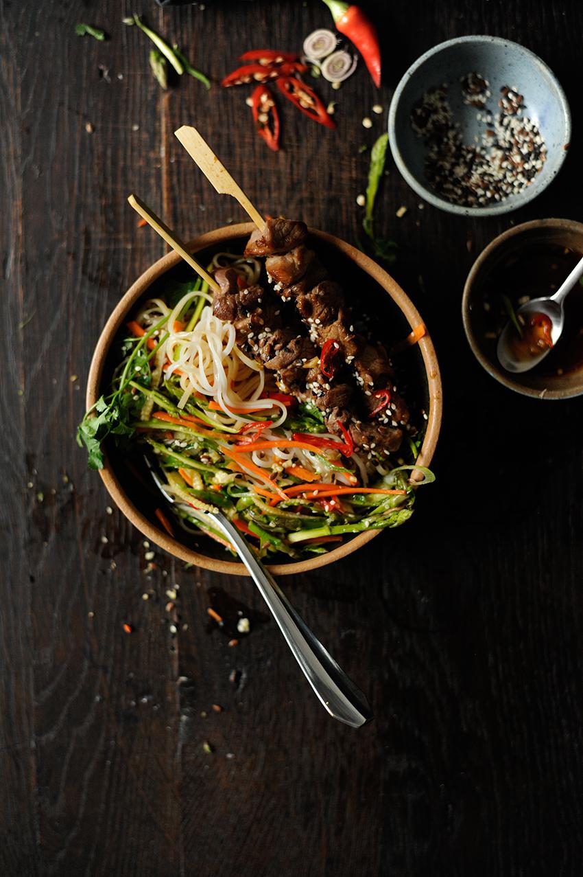studio kuchnia |Salatka azjatycka z makaronem ryzowym