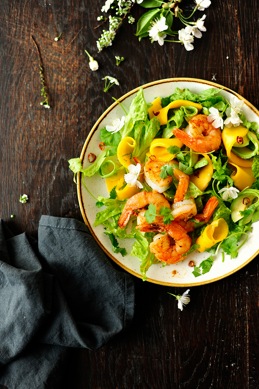 serving dumplings | Fajita shrimps and rum pickled mango salad with honey lime dressing