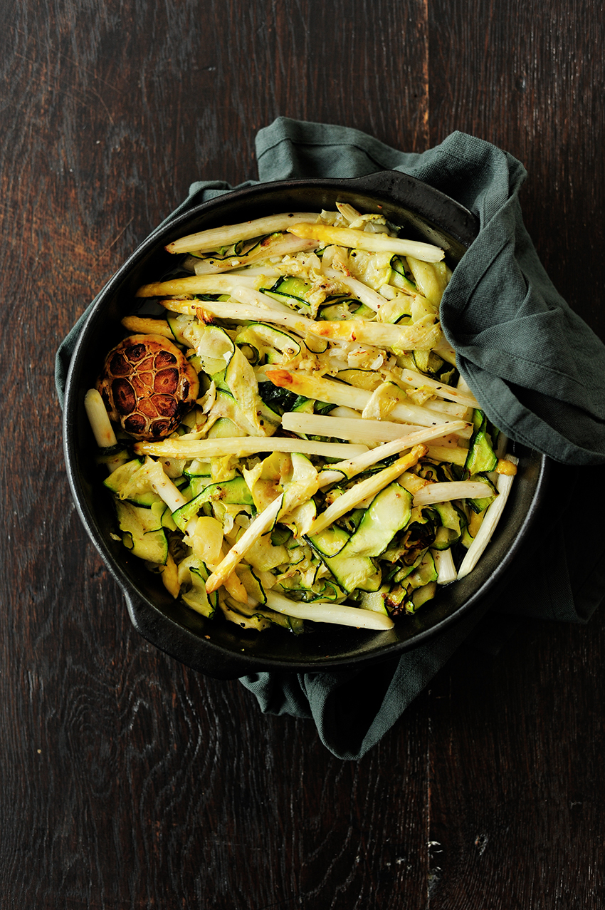 serving dumplings | Pasta with roasted asparagus and zucchini