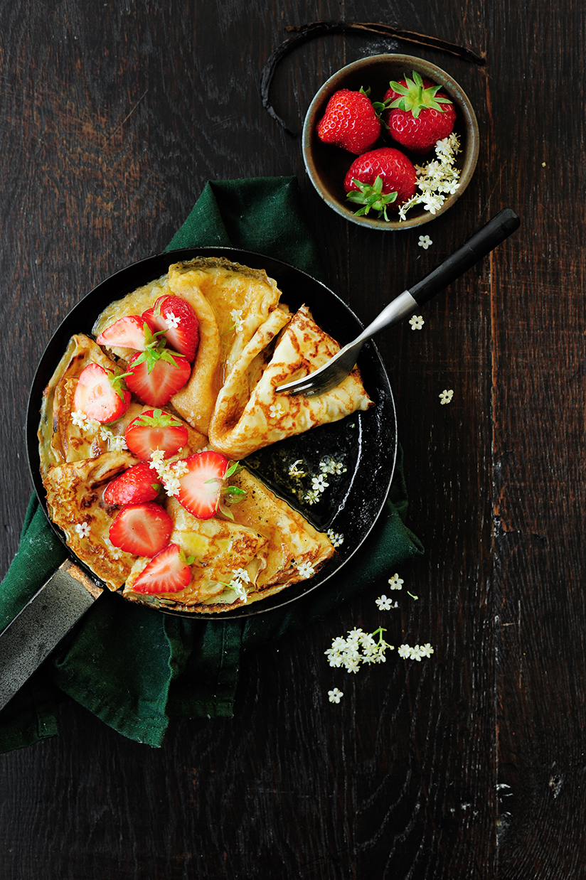 serving dumplings | Strawberry elderflower pancakes
