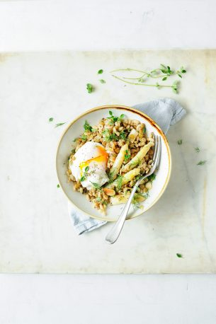 Wheat berry and lentil risotto with asparagus