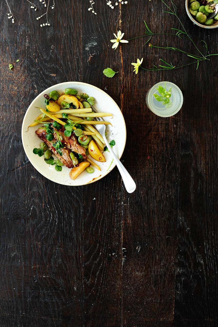 serving dumplings | Aardappelpannetje met boterbonen, labbonen en gegrilde steak