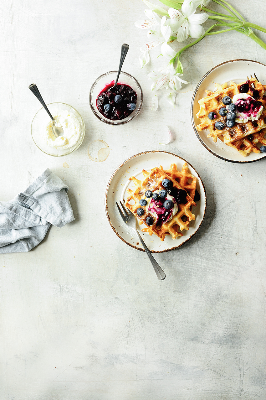serving dumplings | Crispy waffles with blueberries