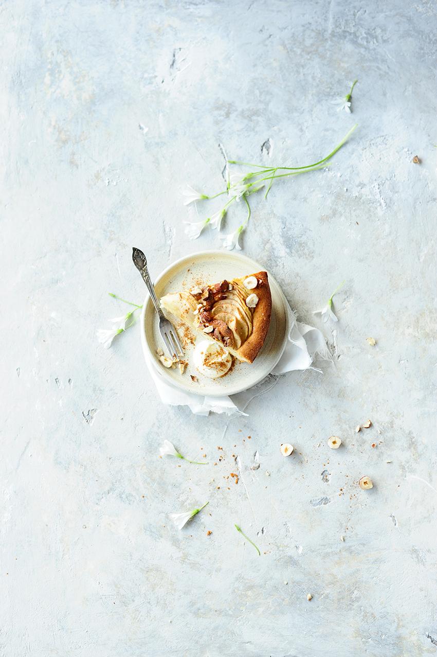 serving dumplings | Appeltaart met hazelnoten en kaneel