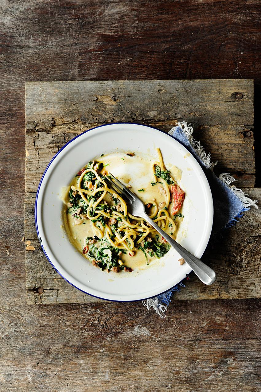 serving dumplings | Romige pasta met spinazie en rundergehakt