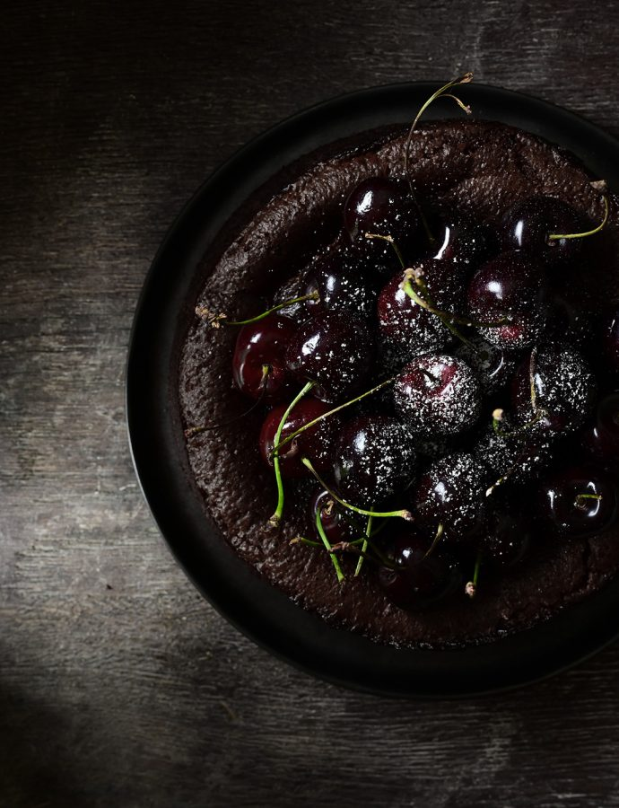 Flourless chocolate cake with cherries