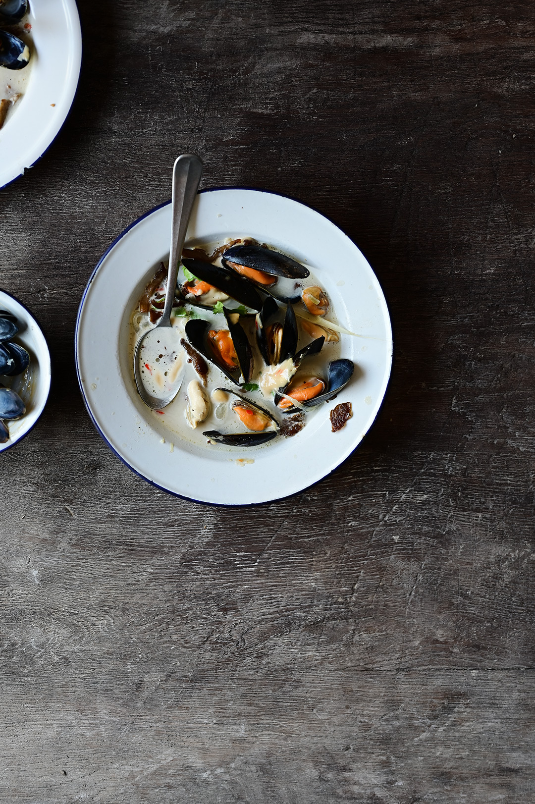 serving dumplings | Creamy mussel soup with crispy oyster mushrooms and miso aïoli