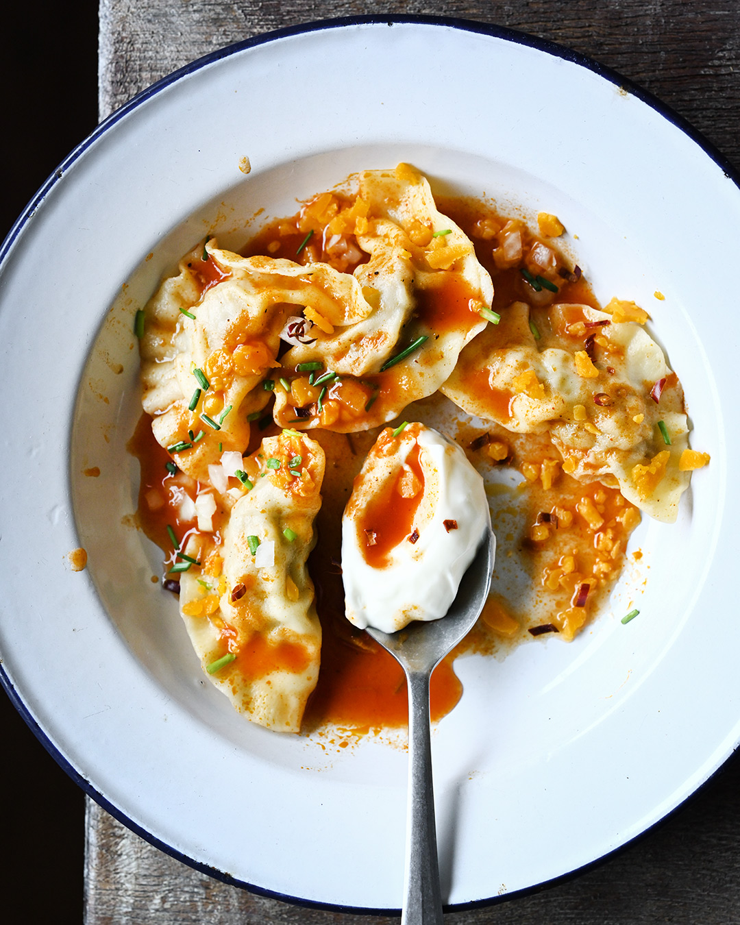 Serving dumplings | Chili con carne-style pierogi