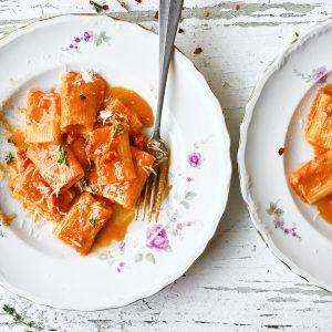 Spicy rigatoni alla vodka with sun dried tomatoes