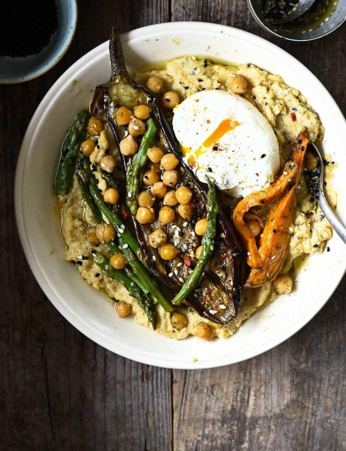 Hummus met geroosterde groentjes & za'atarolie