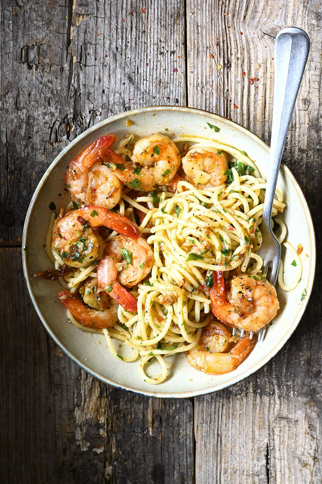 serving dumpling s | Spaghetti met scampi, look en beurre noisette