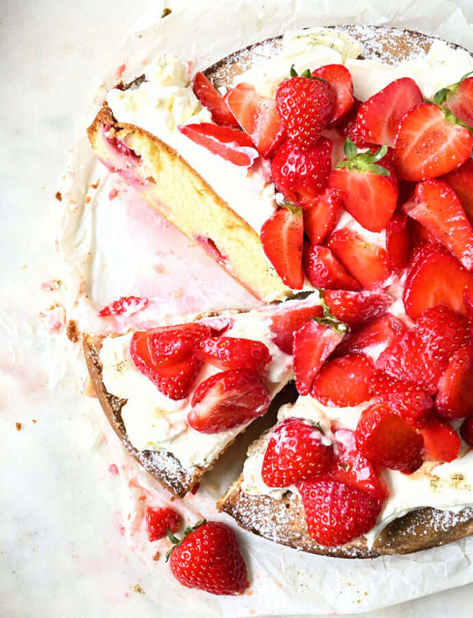 Strawberry cake with mascarpone whipped cream