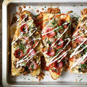 Pizza baguette met champignons in balsamico azijn