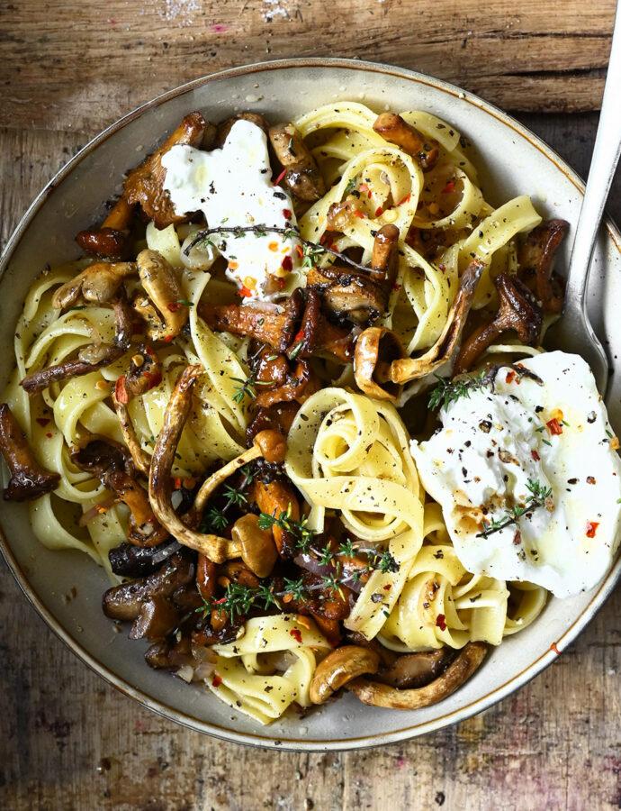 Pasta met wilde paddenstoelen en balsamicoazijn