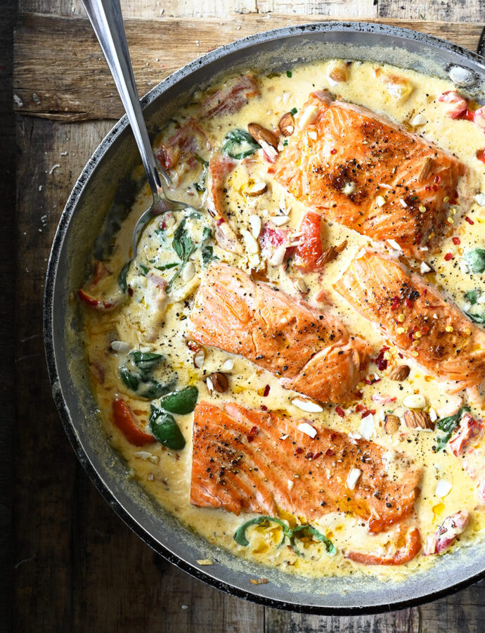 Salmon in Garlic Mascarpone Sauce