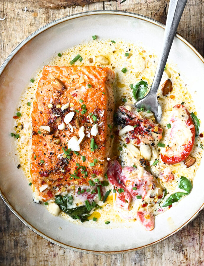 Pan Seared Salmon in Garlic Mascarpone Sauce