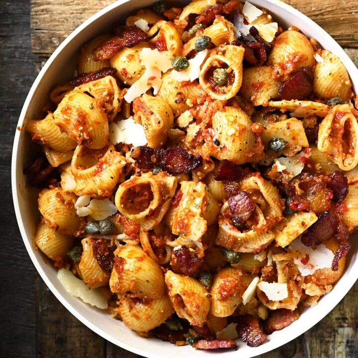 Red Pesto Pasta Salad with Bacon